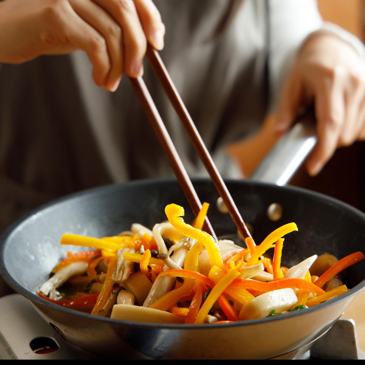 두부현미떡으로 만든 잡채 요리